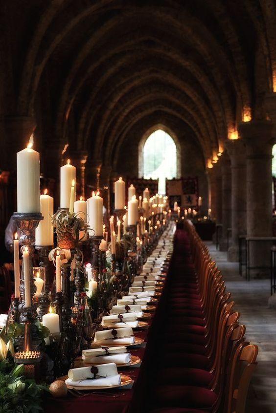 Table de banquet pour mariage médiéval