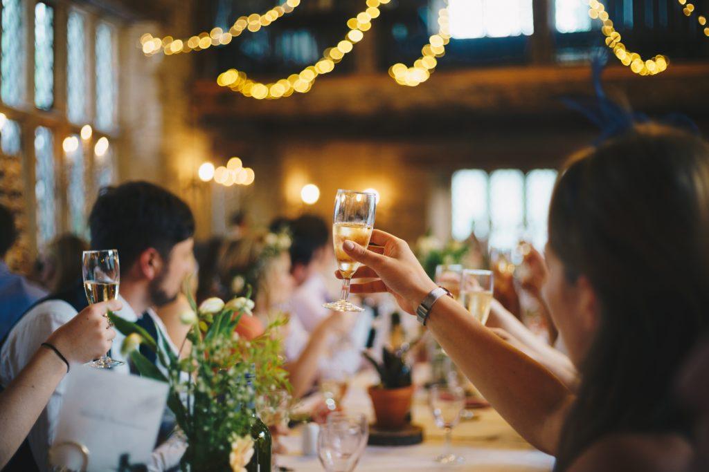 Mariage toast invités